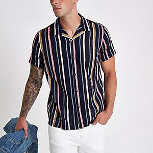 Marineblauw gestreept overhemd met revers en korte mouwen