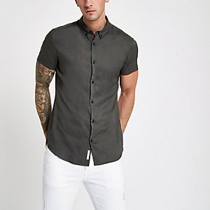 Kakigroen slim-fit overhemd met korte mouwen