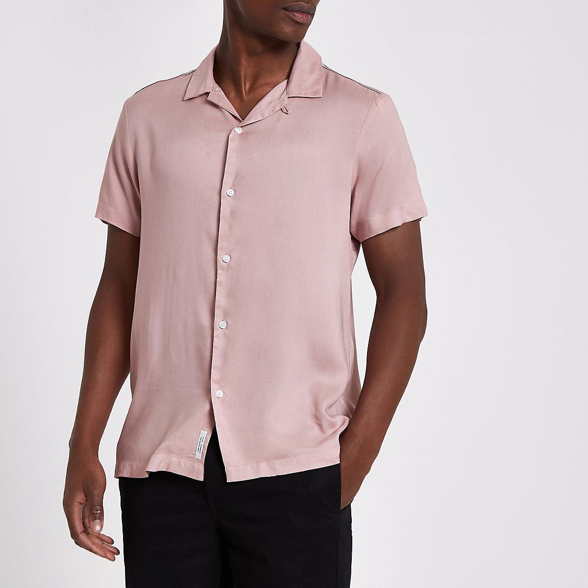 Chemise rose à manches courtes
