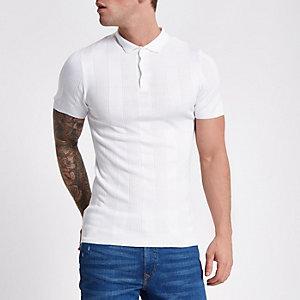 Polo ajusté côtelé blanc à manches courtes