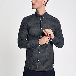 Marineblaues, langärmeliges Hemd mit Struktur