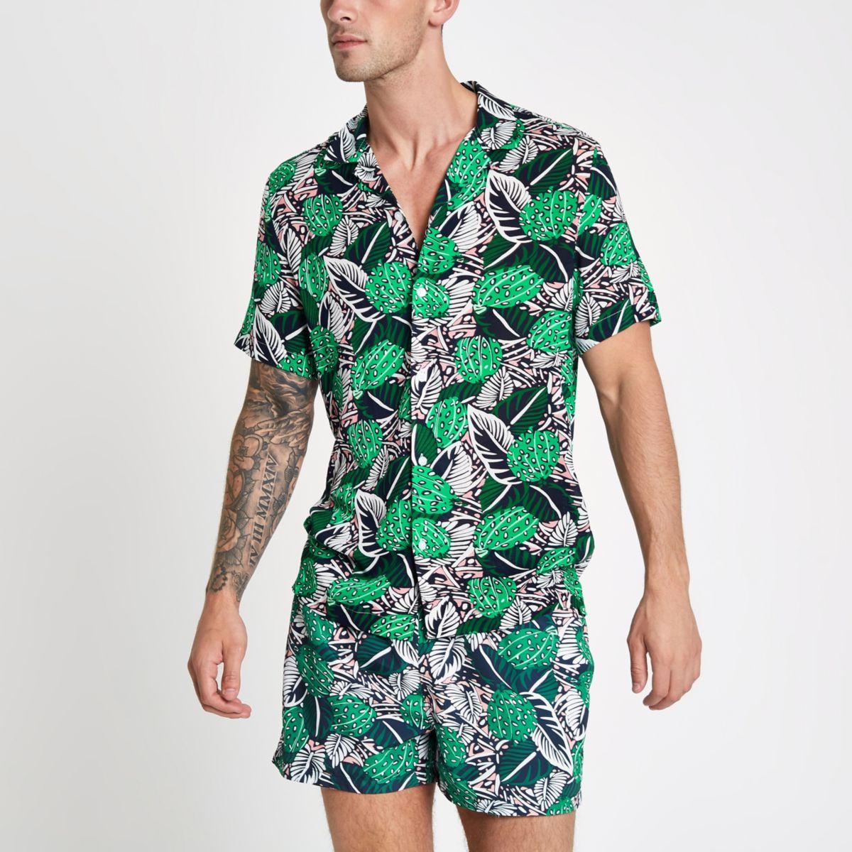 Groen overhemd met tropische print, korte mouwen en reverskraag