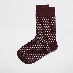 Gepunktete Socken in Bordeaux