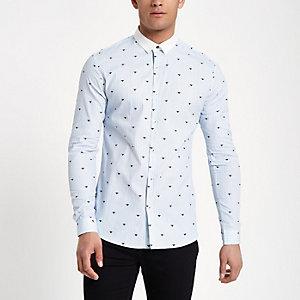 Lichtblauw gestreept slim-fit overhemd met wesp