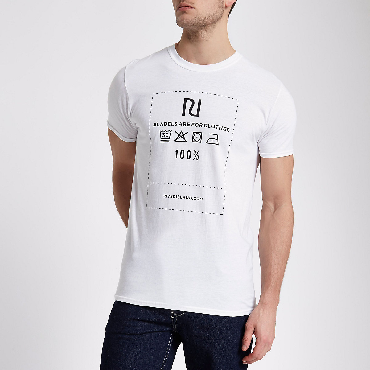 Wit T-shirt met 'Ditch the Label charity'-print