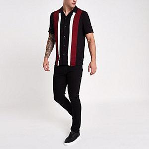 Zwart met rood gestreept overhemd met revers