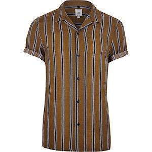 Bruin gestreept overhemd met korte mouwen en revers