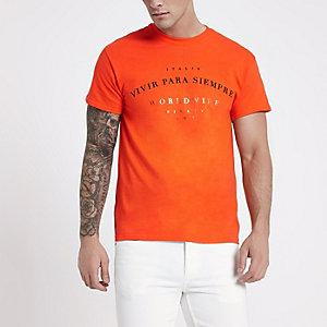 Orange 'vivir' print crew neck T-shirt