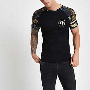 Black muscle fit baroque raglan T-shirt