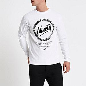 Top à imprimé floqué «ninety» blanc à manches longues