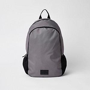 Grauer Rucksack mit Reißverschluss