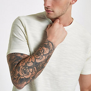 Ecru slim-fit T-shirt met korte mouwen van slubkatoen