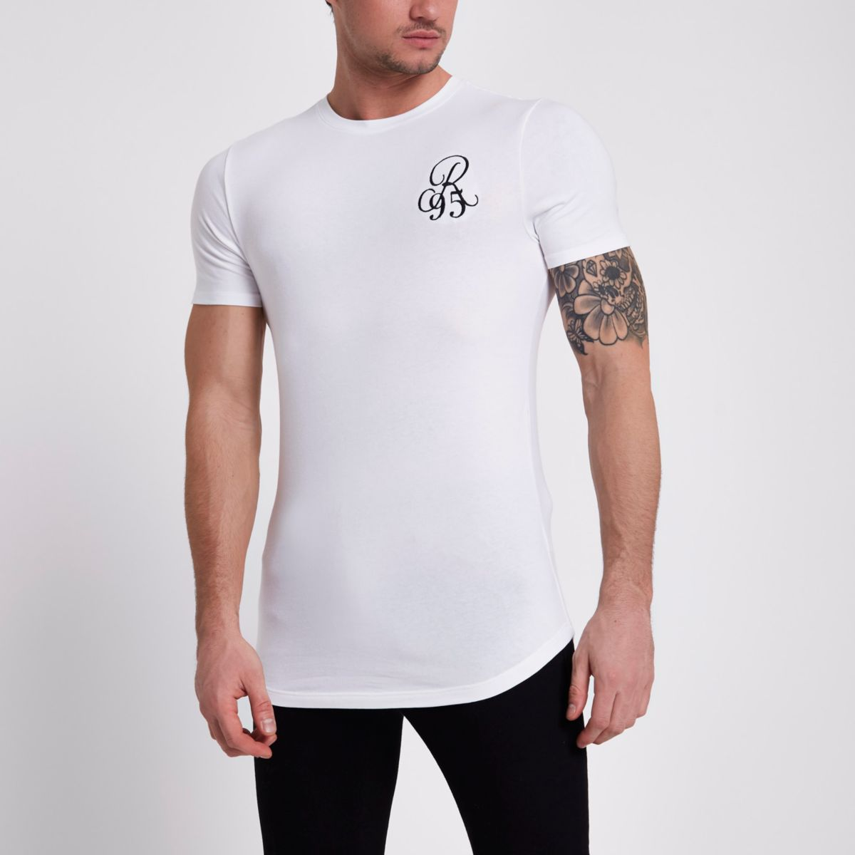 White muscle fit 'R95' T-shirt