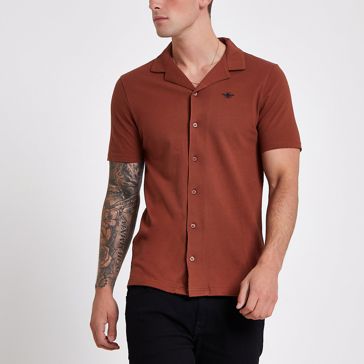 Brown slim fit short sleeve revere shirt