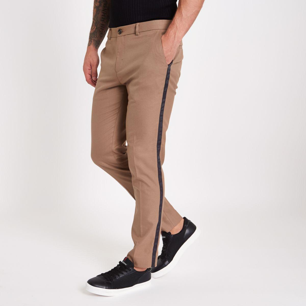 pantalon skinny marron avec bande lat rale pantalons habill s pantalons homme. Black Bedroom Furniture Sets. Home Design Ideas