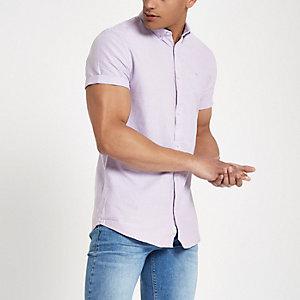 Lilafarbenes kurzärmeliges Oxfordhemd