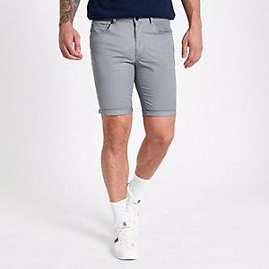 Skinny Fit Shorts in Grau