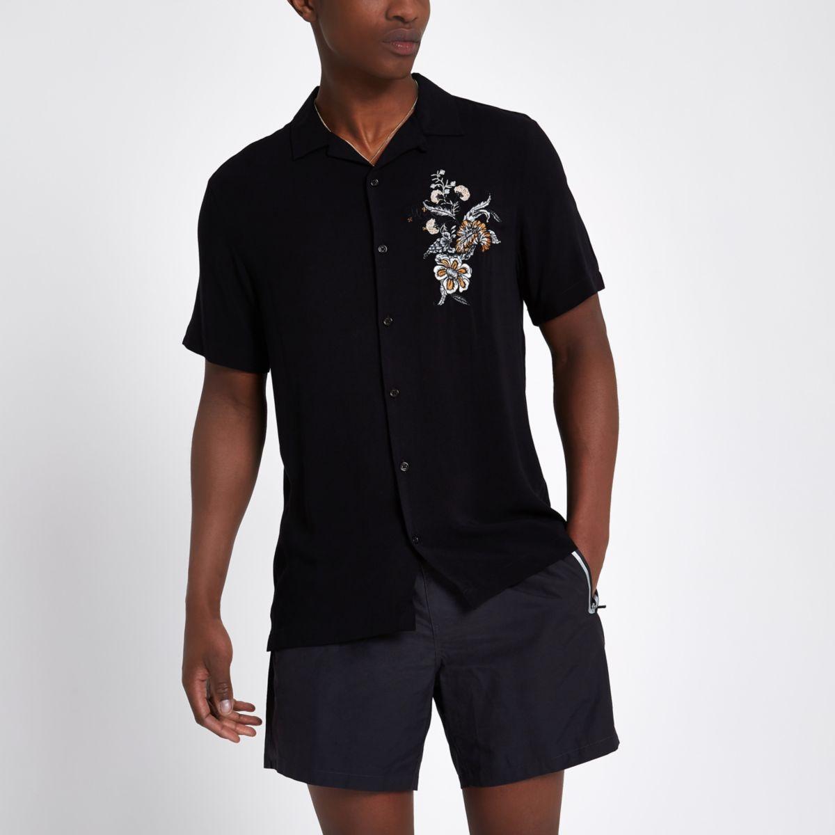 Chemise casual noire à fleurs brodées