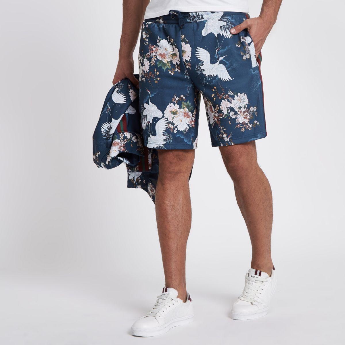 Blue crane print slim fit shorts