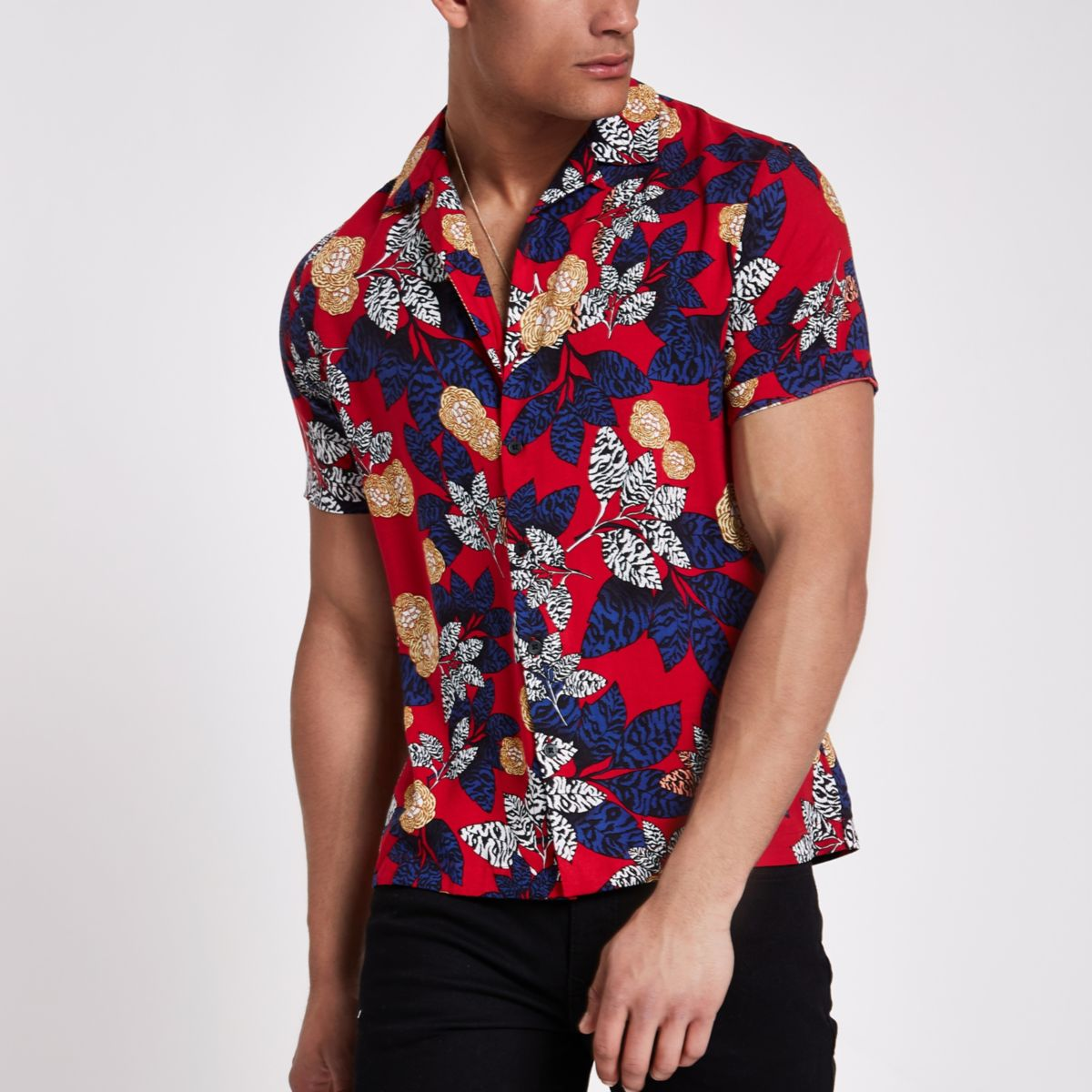 Red floral revere short sleeve shirt