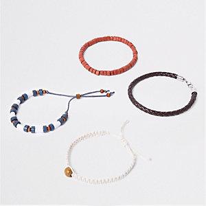 Set blauwe geweven armbandjes met kraaltjes