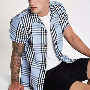 Light blue check short sleeve shirt
