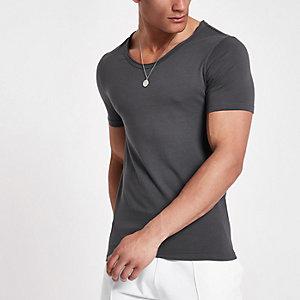 T-shirt ajusté gris à encolure dégagée