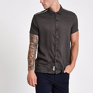 Khaki tape short sleeve shirt