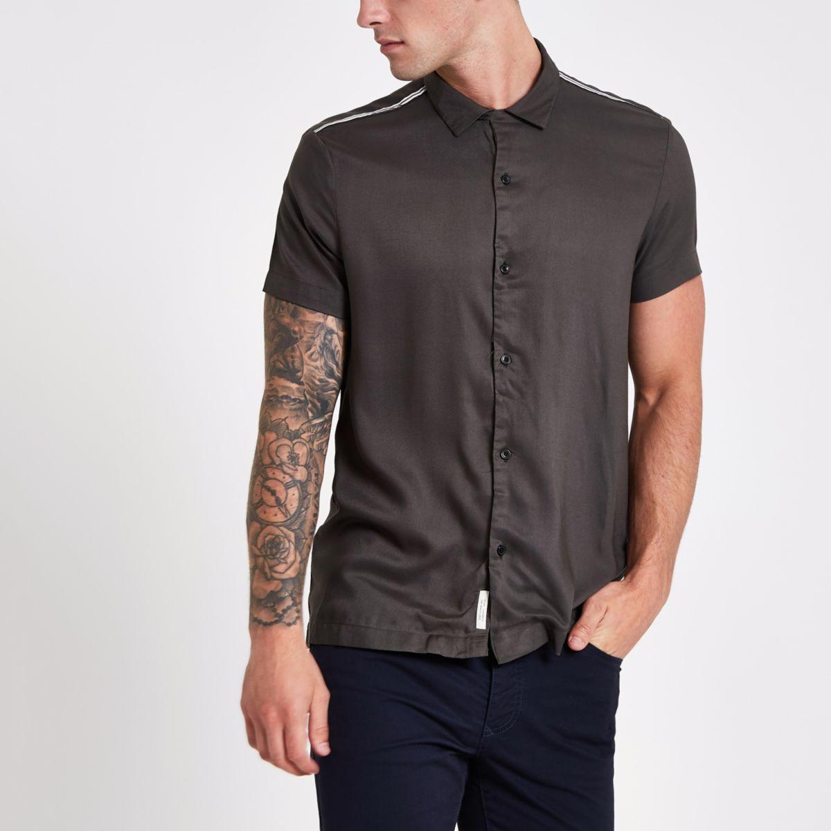Khaki tape short sleeve shirt