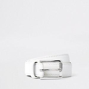 Witte riem met zilverkleurige gesp