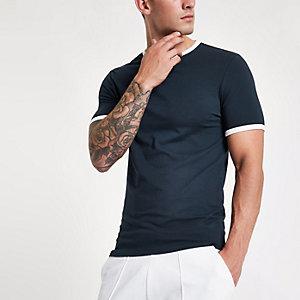 Marineblauw aansluitend T-shirt met contrasterende bies