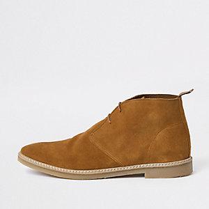 Bruine suède desert boots met oogjes