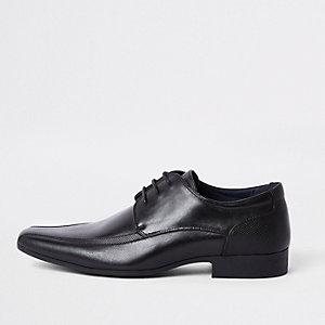 Chaussures noires pointues à lacets