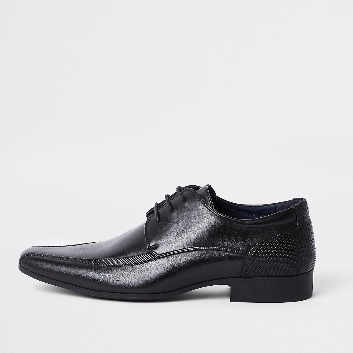 Black pointed lace-up shoes
