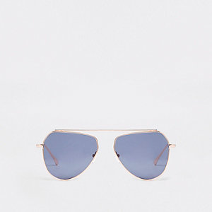 Gold tone aviator style sunglasses