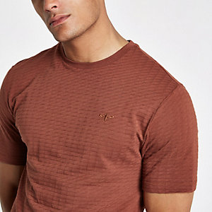 Bruin slim-fit T-shirt met korte mouwen en wafeldessin