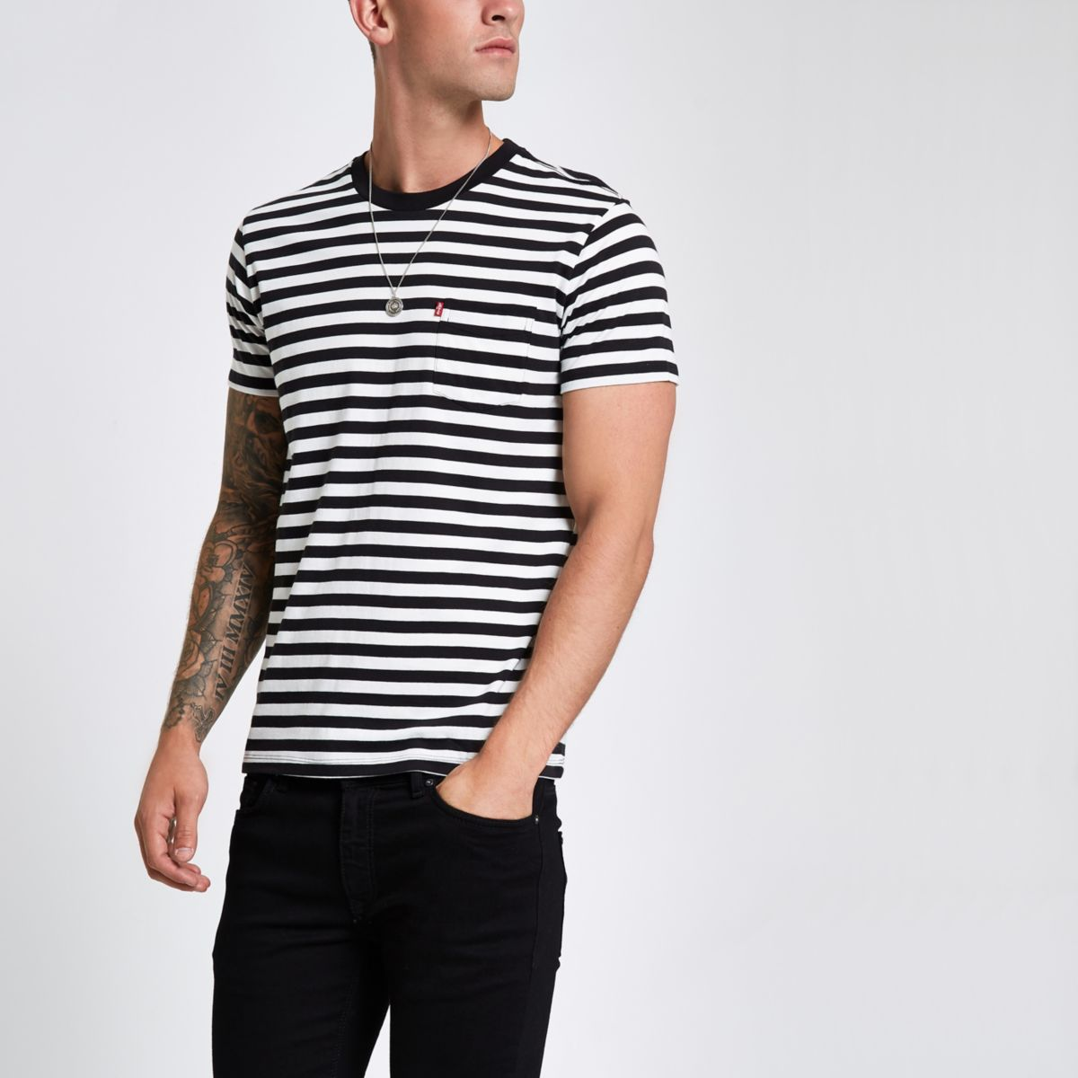 Black Levi's stripe short sleeve T-shirt