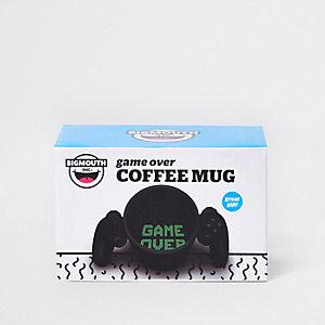 Zwarte koffiebeker met 'Game over'