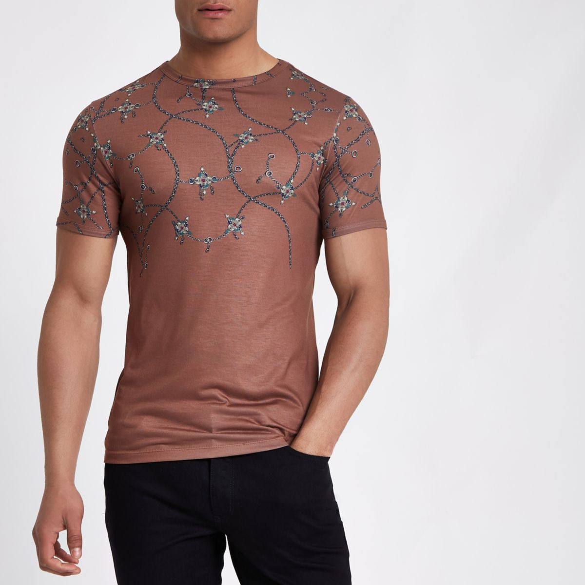 Brown chain print muscle fit T-shirt