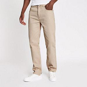 Standard-Jeans in Ecru mit offenem Saum
