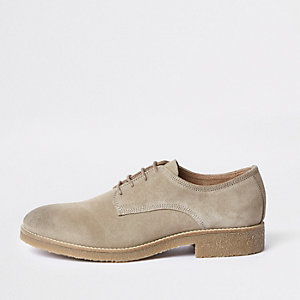 Chaussures derby en daim grège