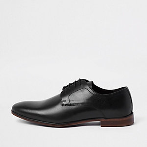 Black leather round toe lace-up shoes