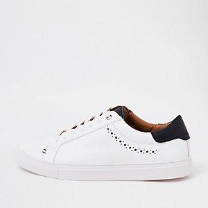 Witte sneakers met brogue-details