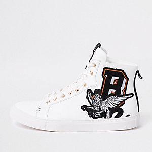 Weiße, hohe Sneaker mit Stickerei