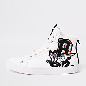 Witte geborduurde hoge sneakers