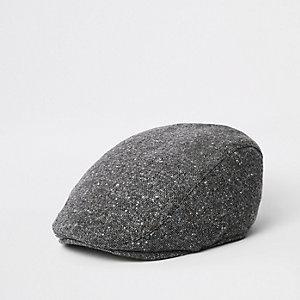 Graue, gesteppte Kappe