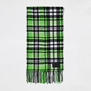 Écharpe à carreaux verte