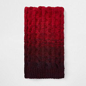 Écharpe en maille rouge effet dégradé