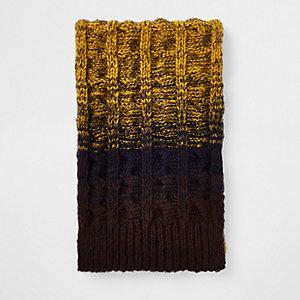Écharpe en maille jaune en dégradé
