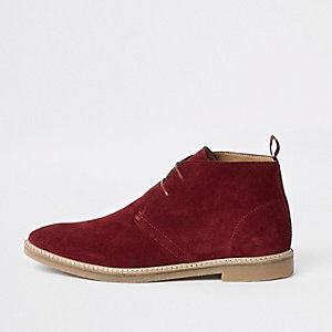 Rode suède desert boots met oogjes